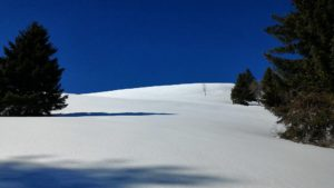Manteau neigeux vierge de toutes traces